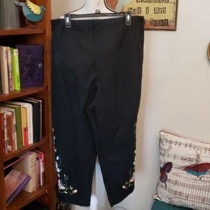 DRESS BARN Black Embroidered WOMAN capris  20W